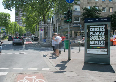 City-Light-Poster in Dortmund in der Bolkerstraße, Demokratie leben