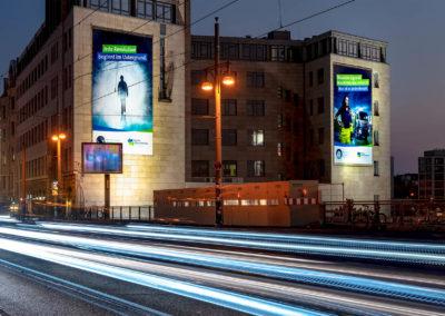Riesenposter Warschauer Brücke